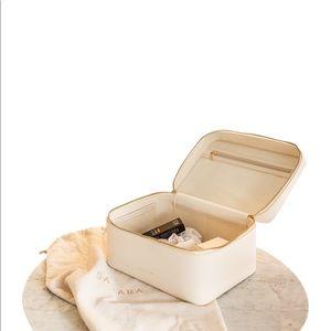 Samara x Jillian Harris makeup bag,pearl white